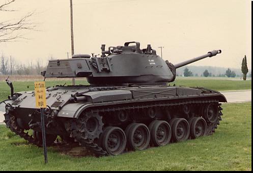 M41 Walker Bulldog M24 Tank
